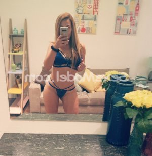 Hounaida massage érotique ladyxena escort girl