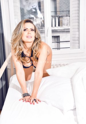 Nenette massage sexe escorte