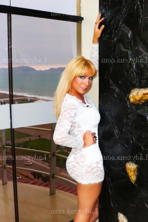Anuska escorte trans massage tantrique à Sanary-sur-Mer