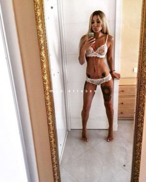 Maricke massage lovesita escort girl